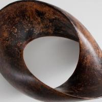 Patinieren als Teilprozess im Entstehungsprozess einer Bronzeskulptur.