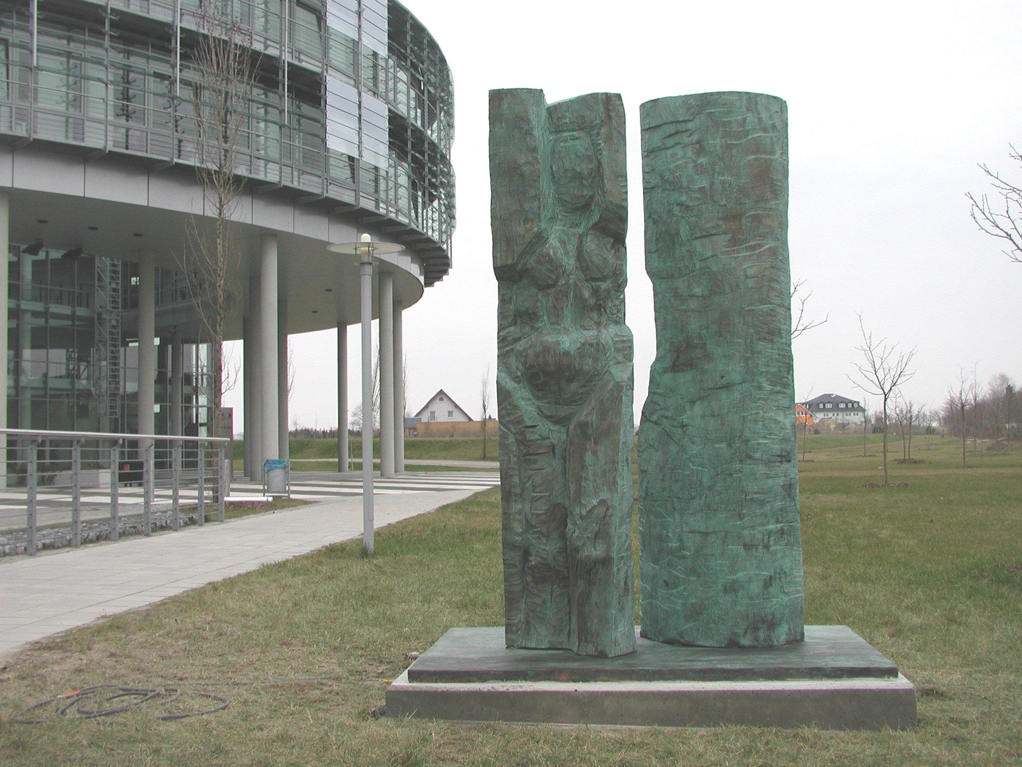 """Hans-Georg Wagner, """"... die alles Tragen"""" (2002)"""
